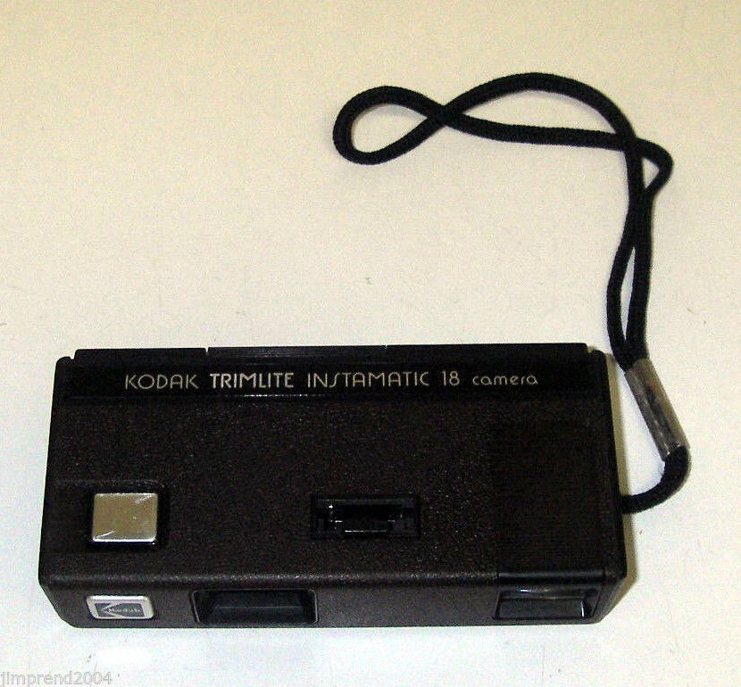 Vintage Instant Kodak Camera Trimlite Instamatic 18 uses 110 film