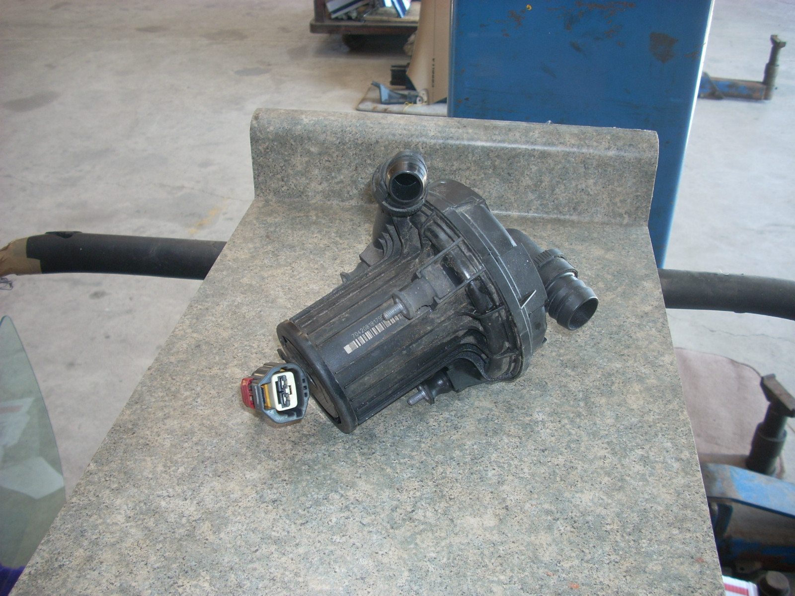 2012 CHRYSLER 200 AIR PUMP 04891832AB