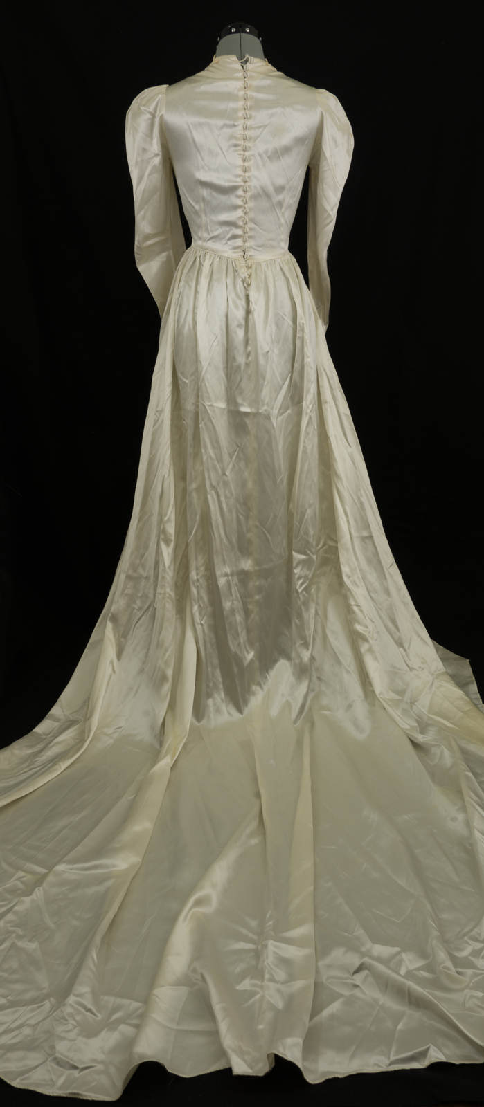 Vintage Wedding Dresses Art Deco : Vintage s art deco liquid satin ivory wedding dress with train