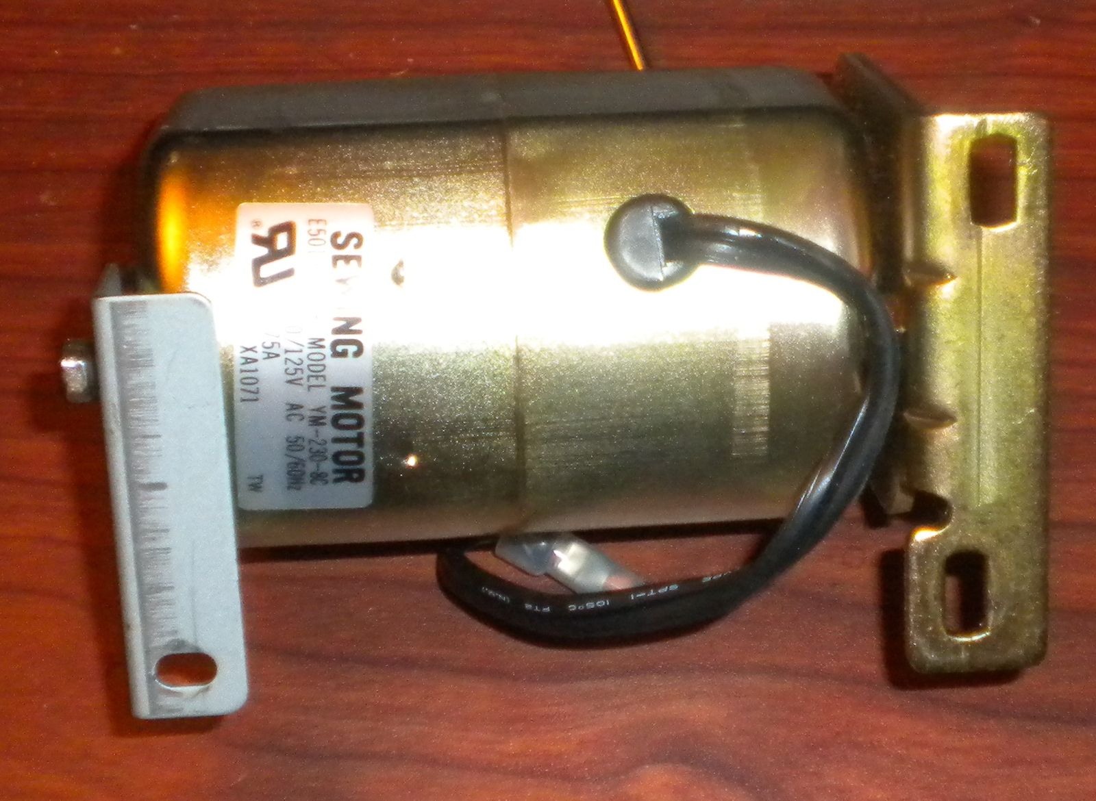 Primary image for Brother VX-1120 Internal 0.75 Amp Motor w/Mounts Tested Works Strong