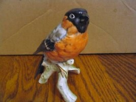 "Vintage Goebel's ""1977 Bullfinch""Wildlife Figurine - $42.06"