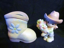 """Precious Moments """" You Bet Your Boots-I Love You """" A 2004 Gift Set  Figurines - $37.39"""