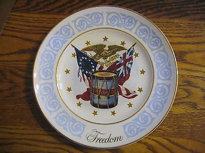 """Avon 1974 """"Freedom """" Collector Plate"""