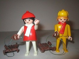 Playmobil #3467 WInter Sport Family Set Figures... - $14.84