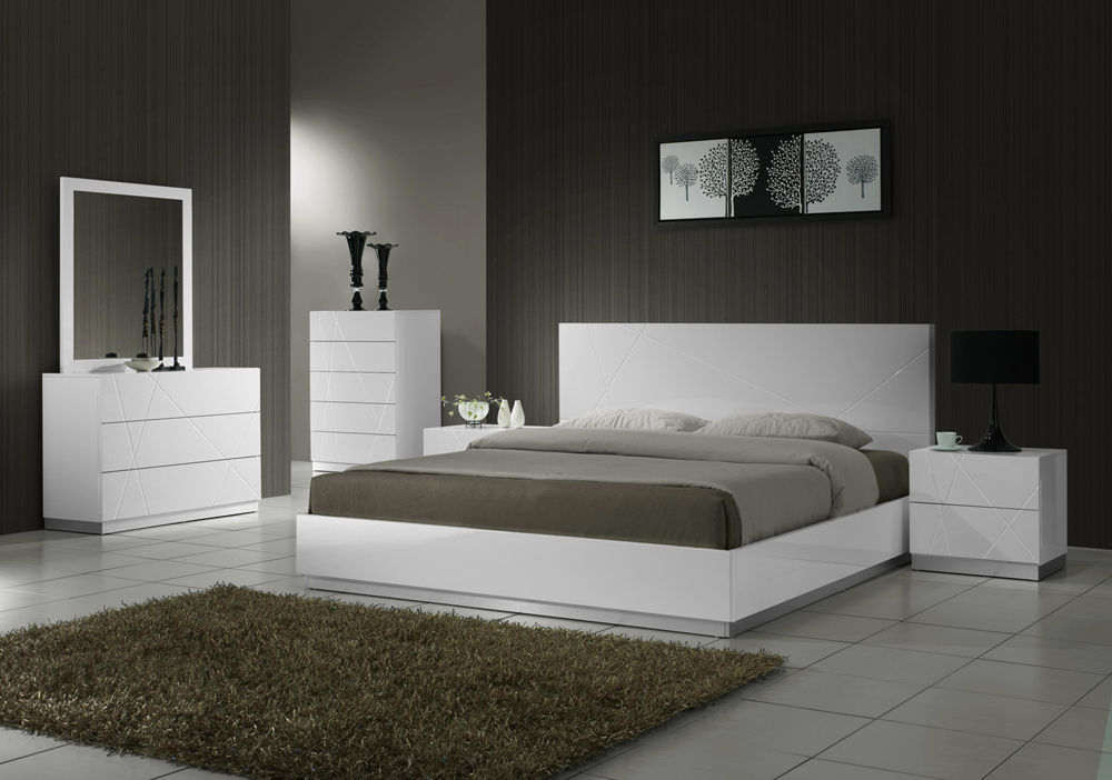 J&M Chic Modern Naples White Lacquer Platform Bed Queen Size 5 Piece Bedroom Set
