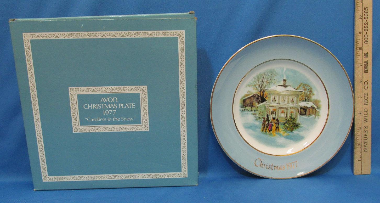 Vintage 1977 Enoch Wedgwood Collectors Plate Avon Christmas Carollers In Snow