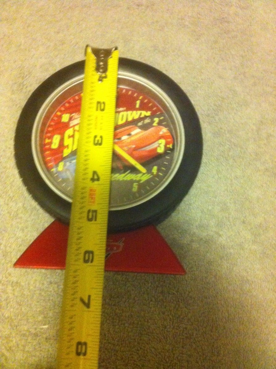 DISNEY PIXAR CARS--BATTERY CLOCK--WITH ALARM--1) AA---FREE SHIP--VGC