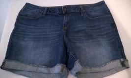 APT.9 denim blue 5 pocket low rise cuffed leg shorts sz14 - $14.00