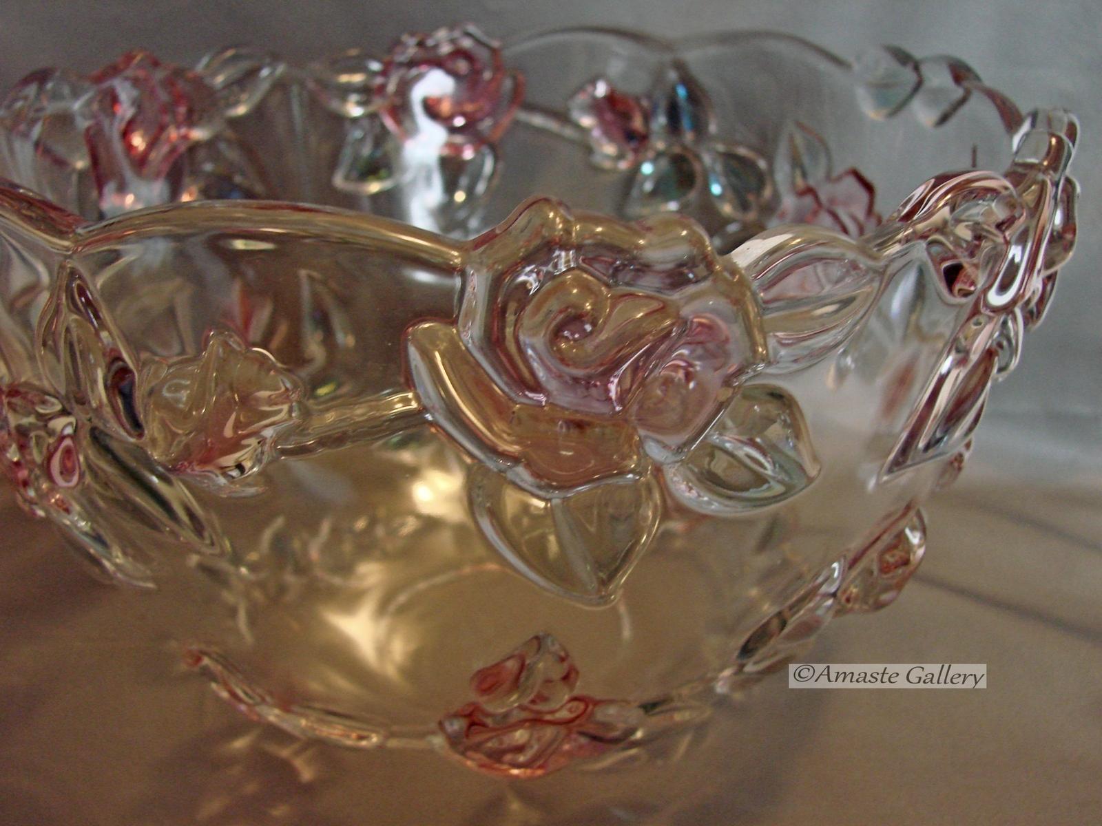 Mikasa Centerpiece Table Bowl with Raised Roses and Leaves image 2