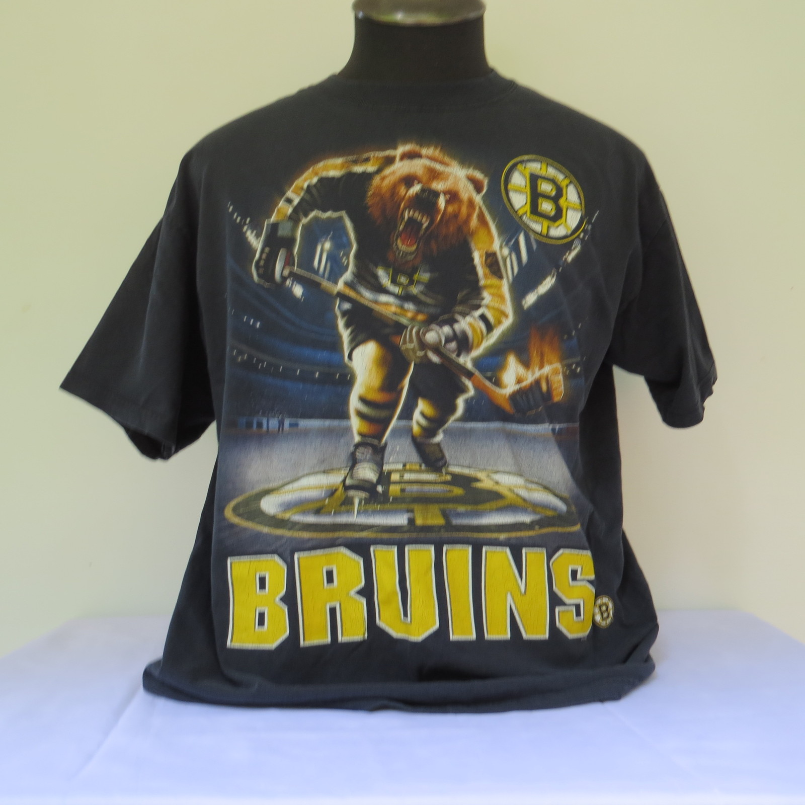 Vintage boston bruins t shirt aggressive bear with for Boston bruins bear t shirt