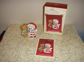 Hallmark 2005 Ornament Snow Bear Buddies - $13.89