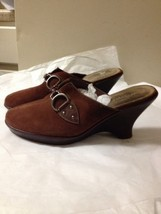 Women's Brown Suede Slip On Aerosoles Heels Siz... - $7.91