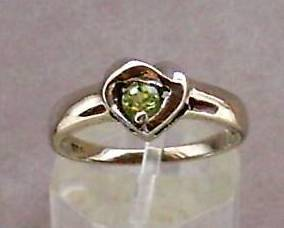 4mm Green Peridot Gemstone Solitare in 925 Sterling Silver Ring Size 8