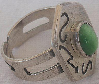 Green cat eye silver ring