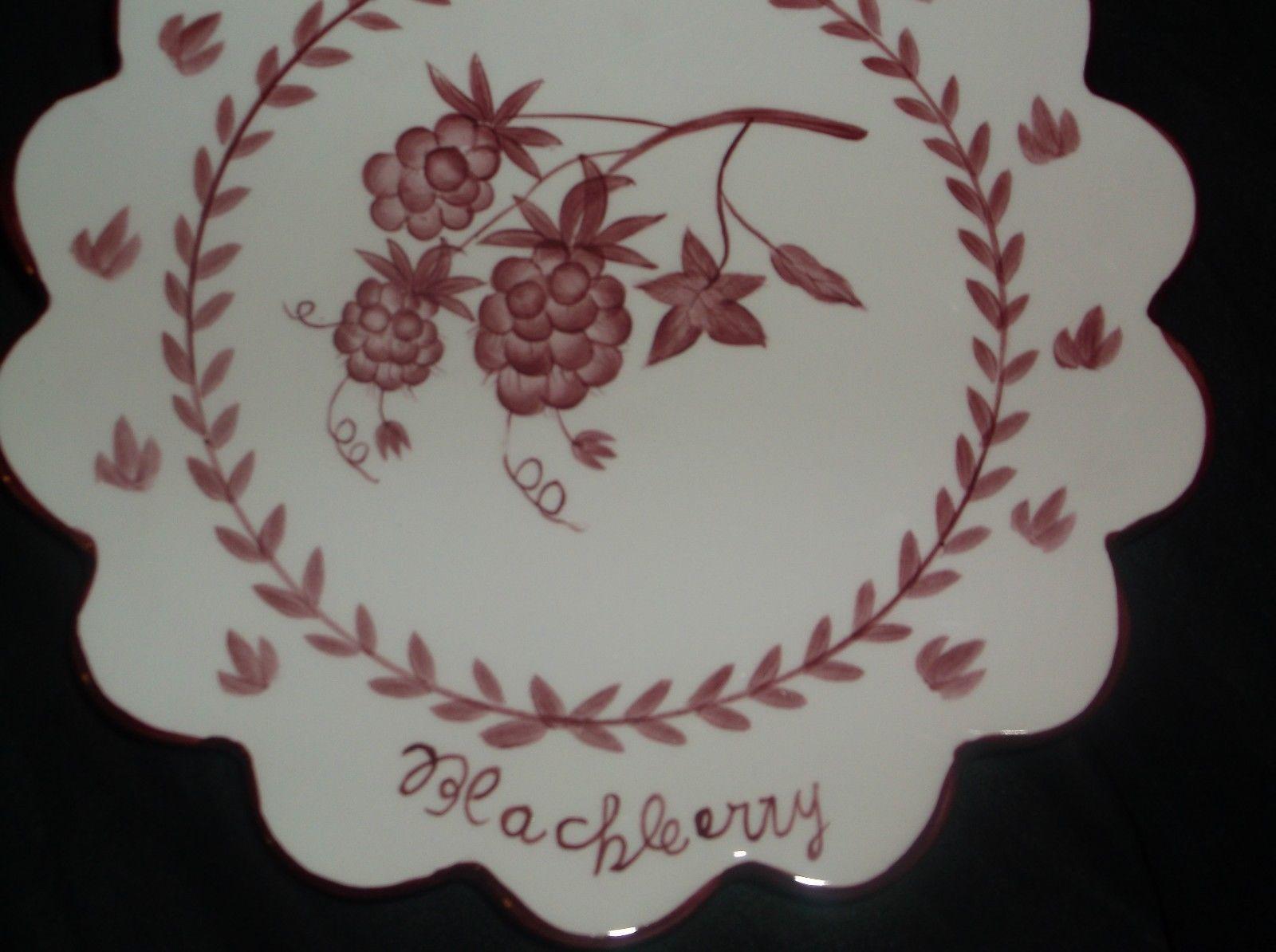 Porcelain wall hanging,Blackberries design/pattern w/ribbon