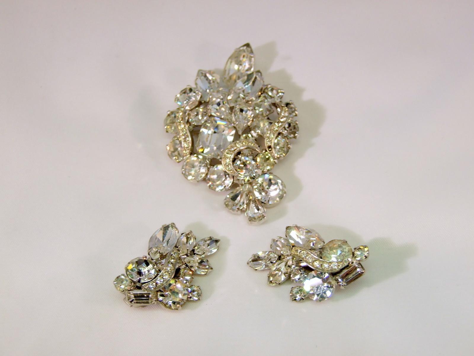"""Vintage Weiss Rhinestone Brooch and Earrings   """"Georgeous"""" - $118.88"""