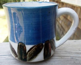 ~~ Vintage Stoneware Coffee Mug ~~ Speckled Cream Color w/Brown/Blue Out... - $4.00