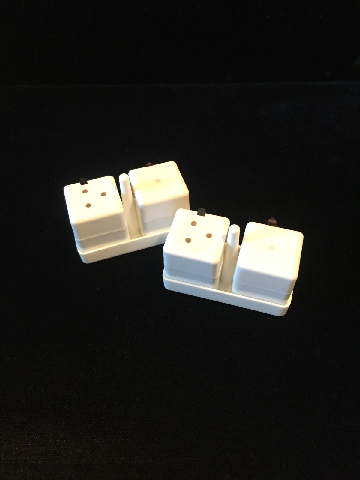 White Cube Salt/Pepper shakers - Delta Airlines First Class meal service