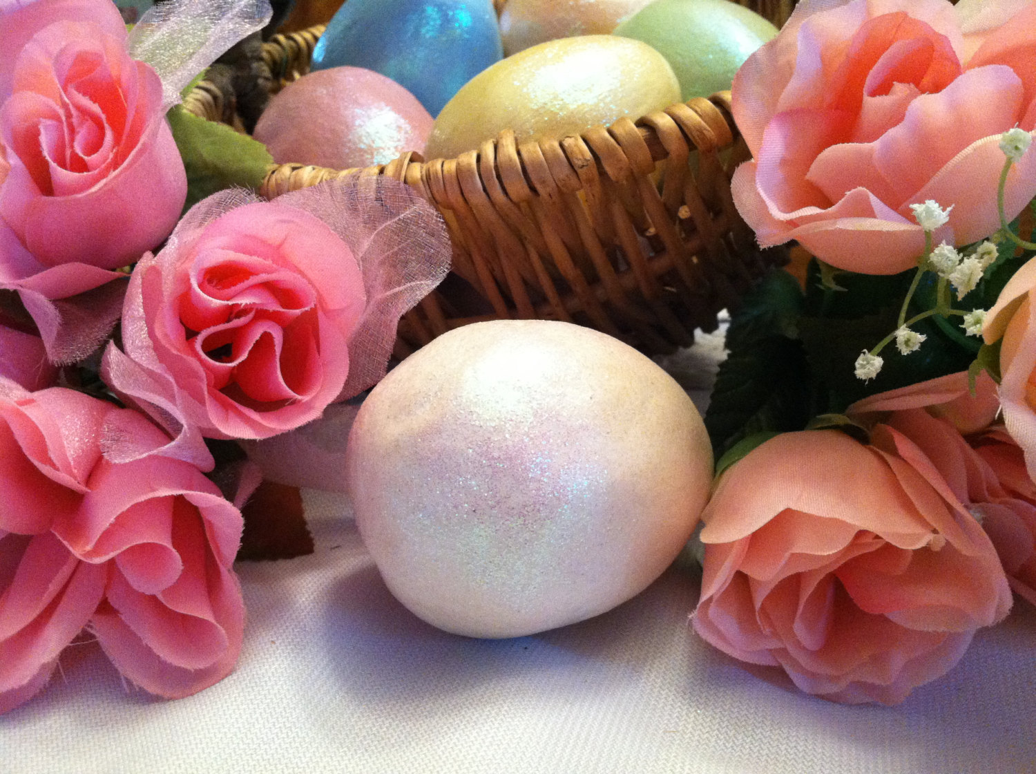 Ceramic Creamy White Colored Egg for Easter Display - glitter glazed and with ra