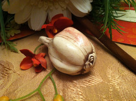 Ceramic Bulb of Garlic  for Harvest Display Centerpiece image 3