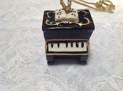 Hanging Piano Ornament Black Piano with Notes on Top