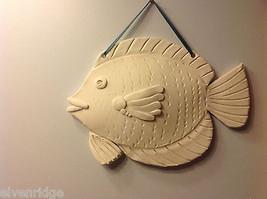 ein Unikat Zwei weiß Bisque gefeuert Fisch wandbehänge von New York Künstler image 2