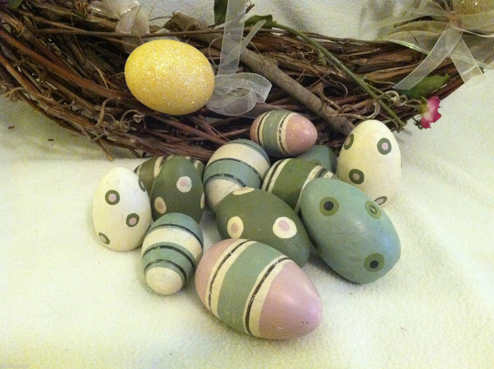 Primary image for 10 decorative wooden Easter eggs assorted size and color vintage look NIB
