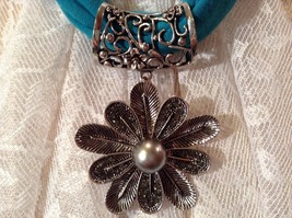 10 Petal Flower Silver Tone Scarf Pendant 7 Small Crystals Large Silver Bead