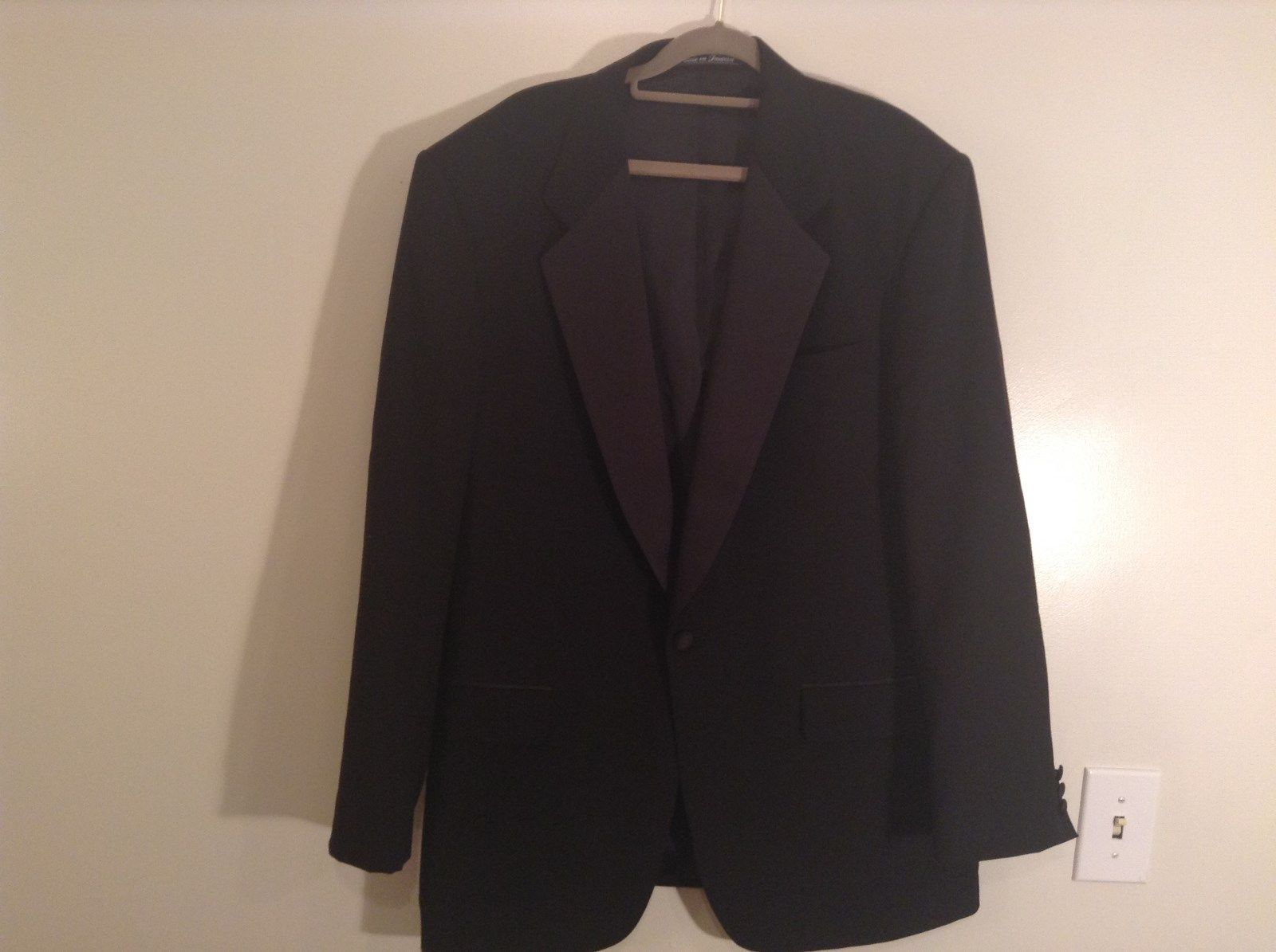 100 Percent Pure New Wool Cricketeer Black Jacket 3 Front Pockets Size 43 Long