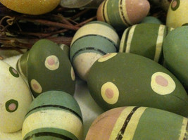 10 decorative wooden Easter eggs assorted size and color vintage look NIB image 3