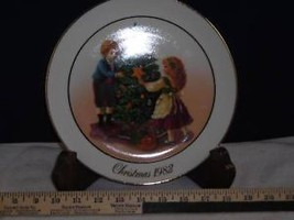 1982 Avon Christmas Tradition Collectors Plate