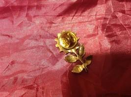 """2.5"""" vintage sunflower brooch gold tone image 2"""