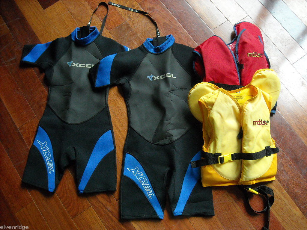2 EXCEL Youth Wetsuits with 2 MTI Youth Life Vests