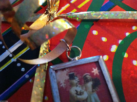 2 sided Walking in a winter wonderland Christmas charm with metal frame image 3