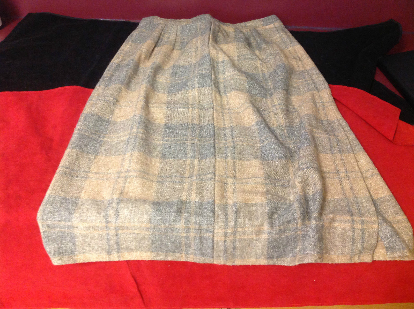 3Q length cream/light green plaid skirt