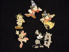 5 Disney Collectible Official Trading Pins 4 Mickey and 1 Minnie