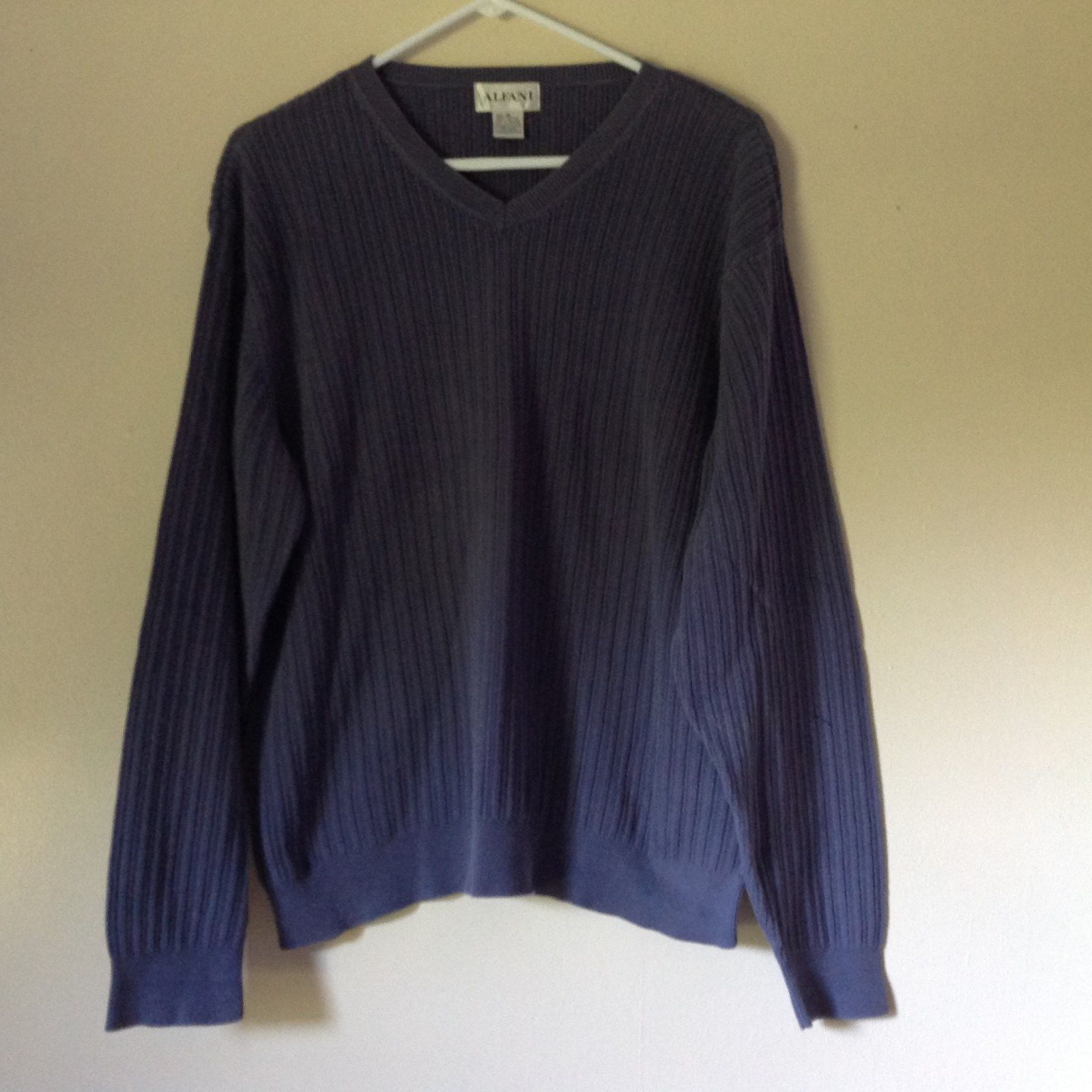 Alfani Size XL Long Sleeve V Neck Blue Sweater 100 Percent Cotton