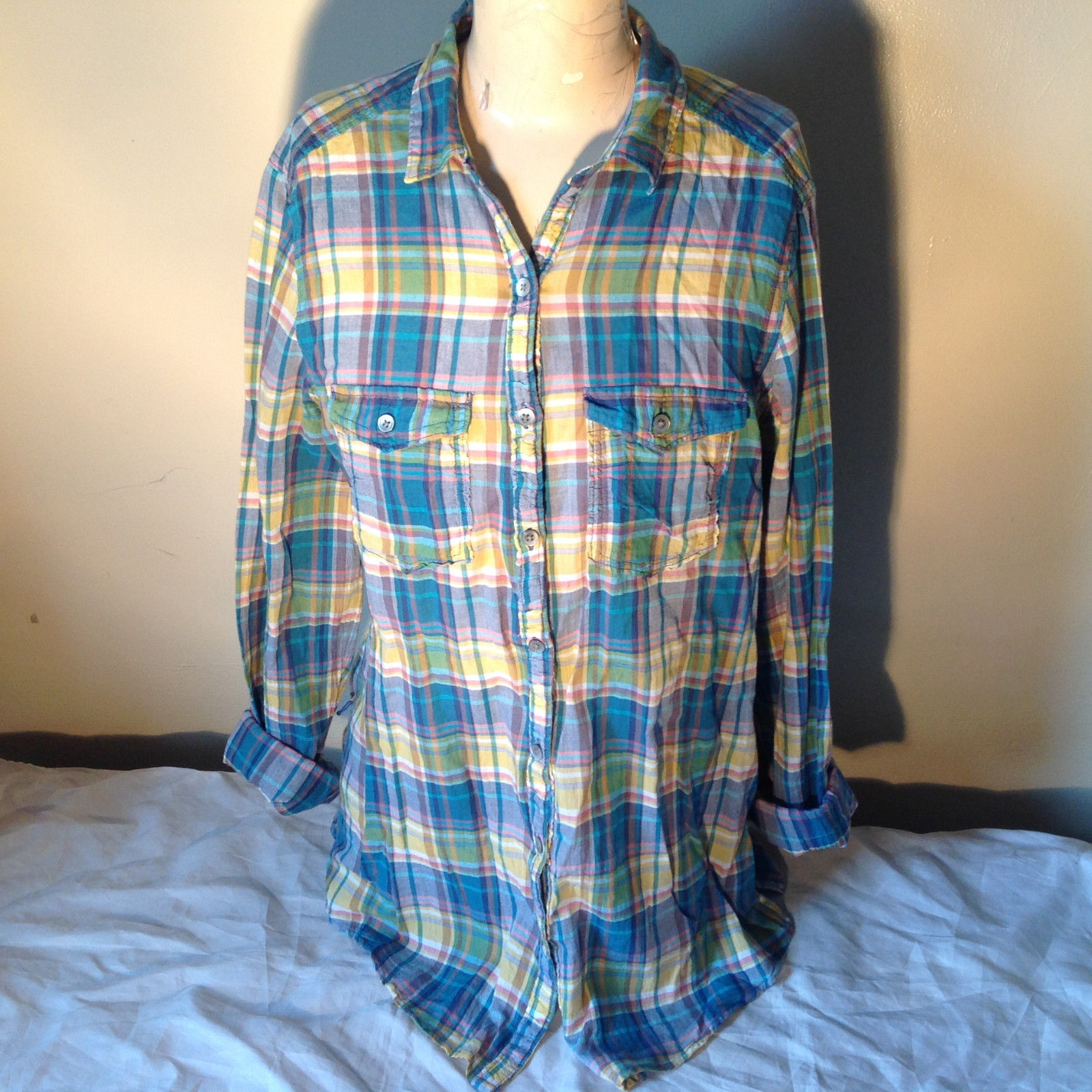 Aerie Plaid Button Down Long Sleeve Collared Shirt 2 Front Pockets Size Large