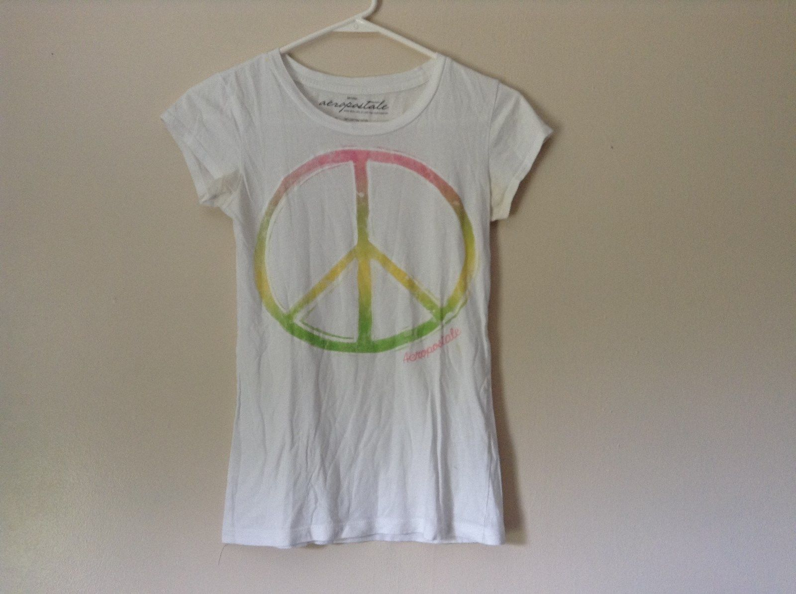 Aeropostale White Short Sleeve T Shirt Peace Sign 100 Percent Cotton Size S