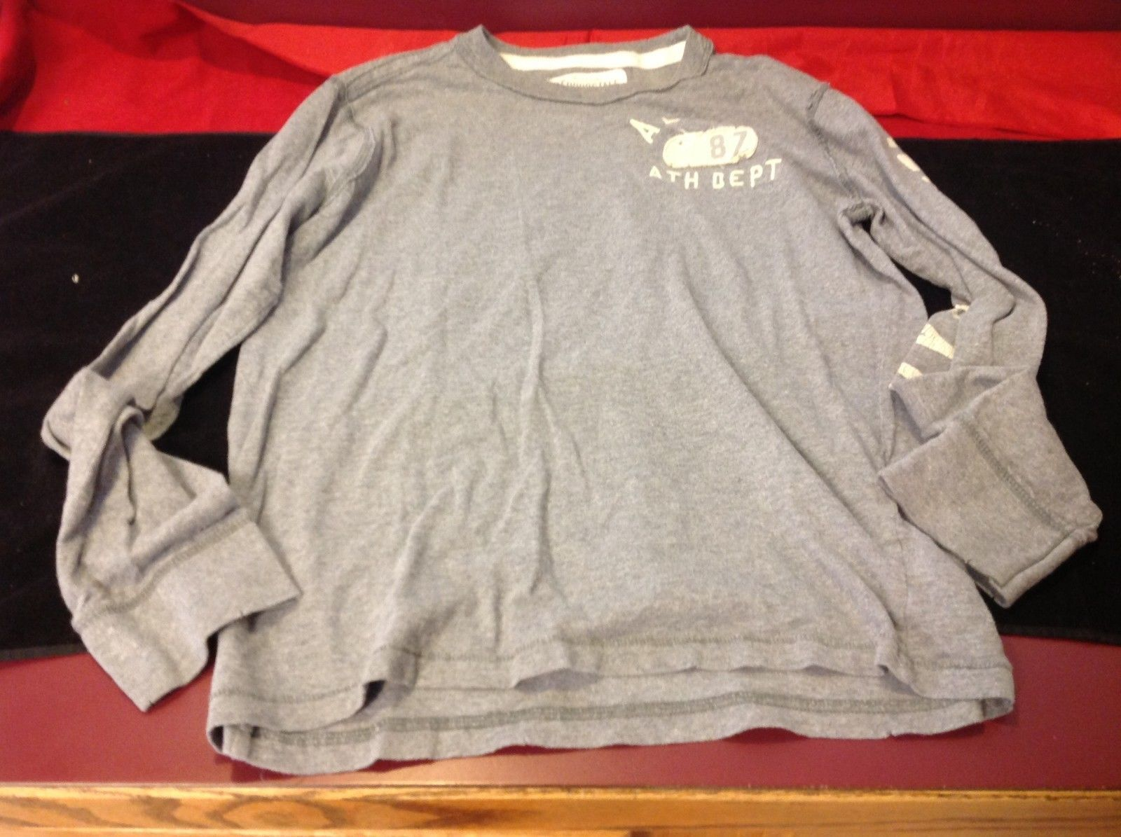 Aeropostale long sleeve basic sweater for man size small