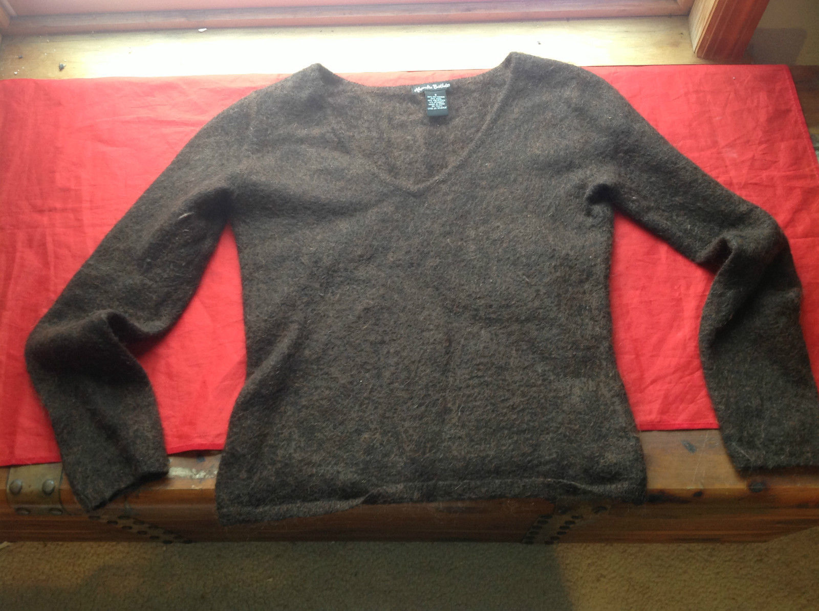 Alexandra Bartlett Brown V-Neck Sweater 38% Kid Mohair 38% Wool Size Small
