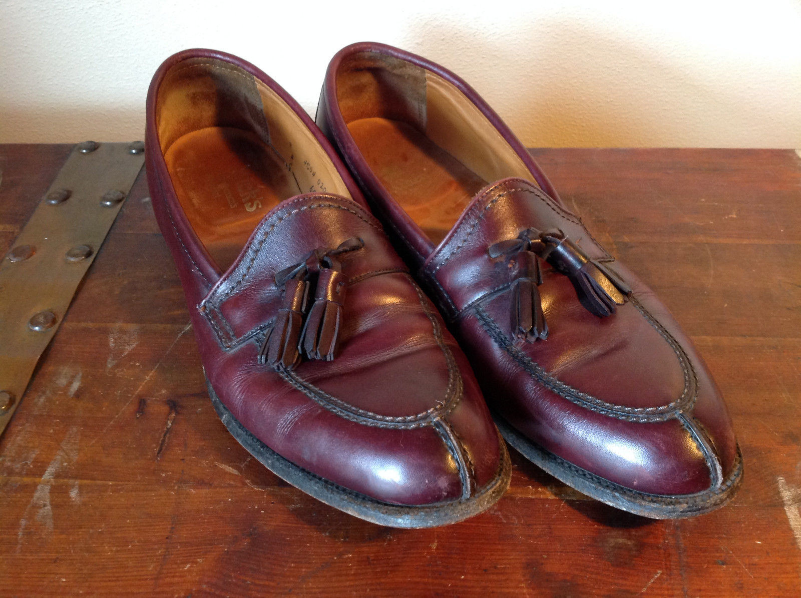 Alden Leather Tassel Loafer Burgundy Shoes Made in USA Doe Tail Heel Size 9