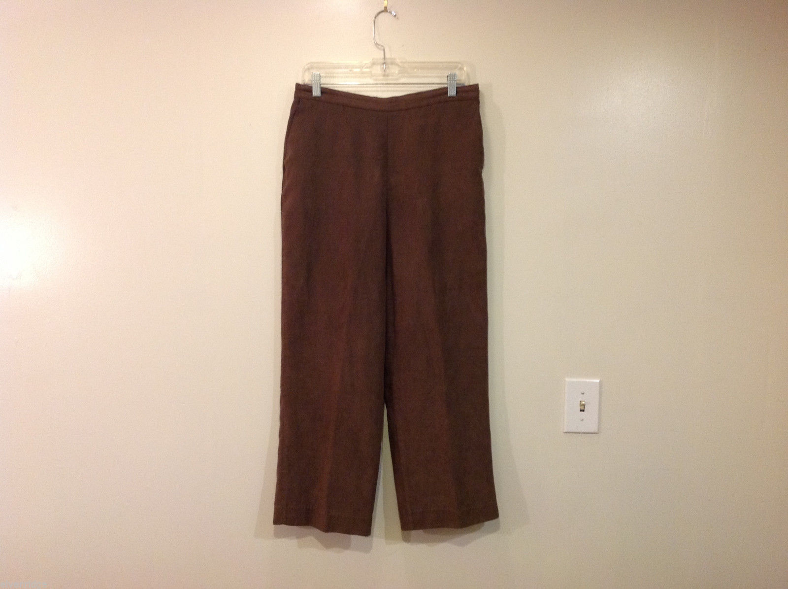 Alfred Dunner Brown Mole Skin (Microfiber Suede) Cropped Pants, Size 14