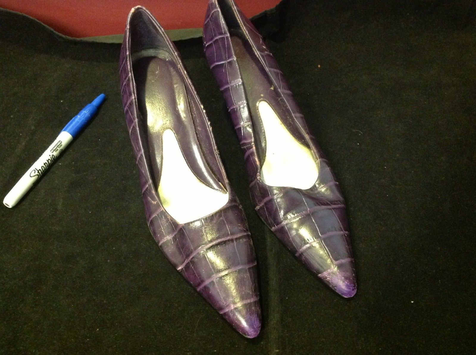 Amanda Smith purple leather close toes heels size 6.5 for women