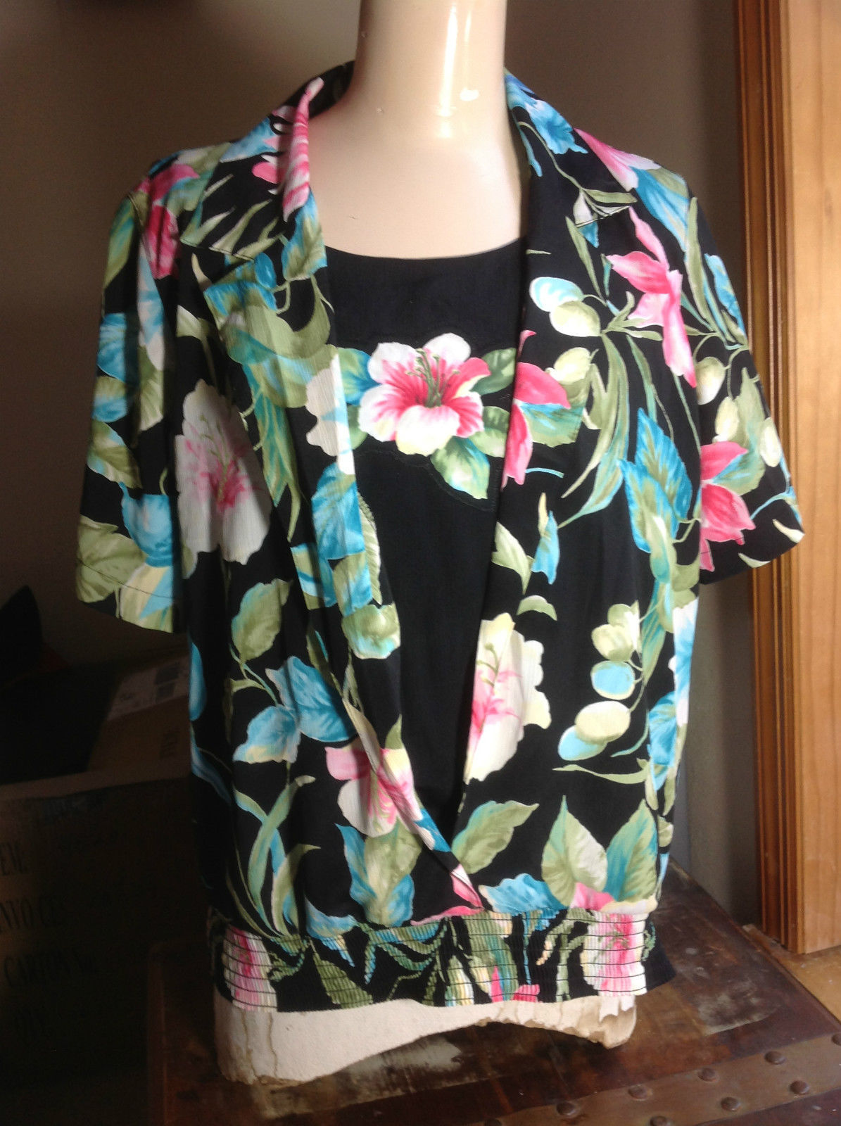 Alfred Dunner Pretty Short Sleeve Floral Blouse with Elastic Waist  Size 10