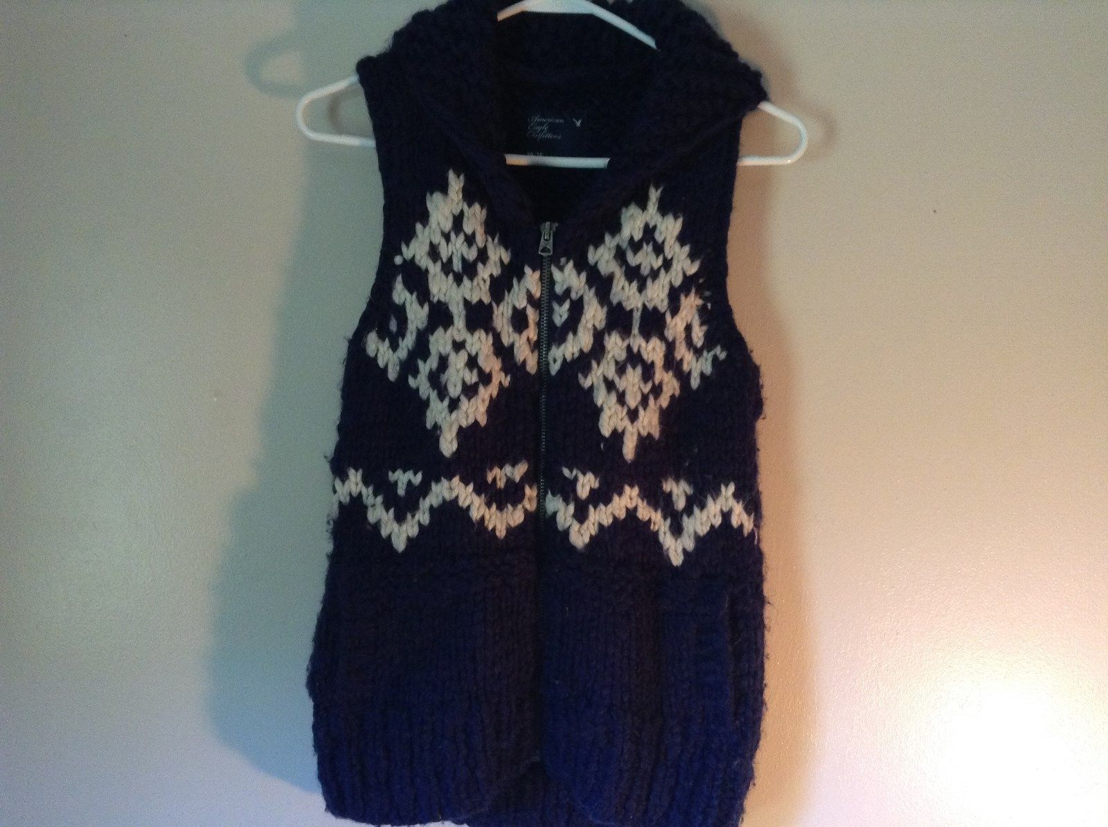 American Eagle Outfitters Size XS 50 Percent Wool 50% Acrylic Knitted Vest