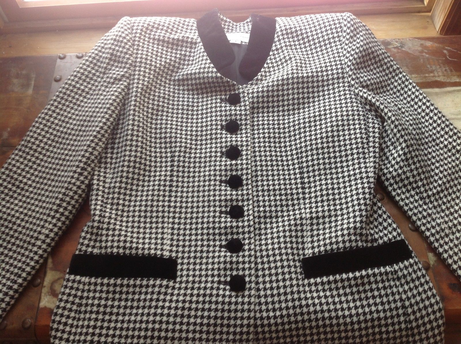 Amanda Smith Black White Blazer with Patterns Size 8