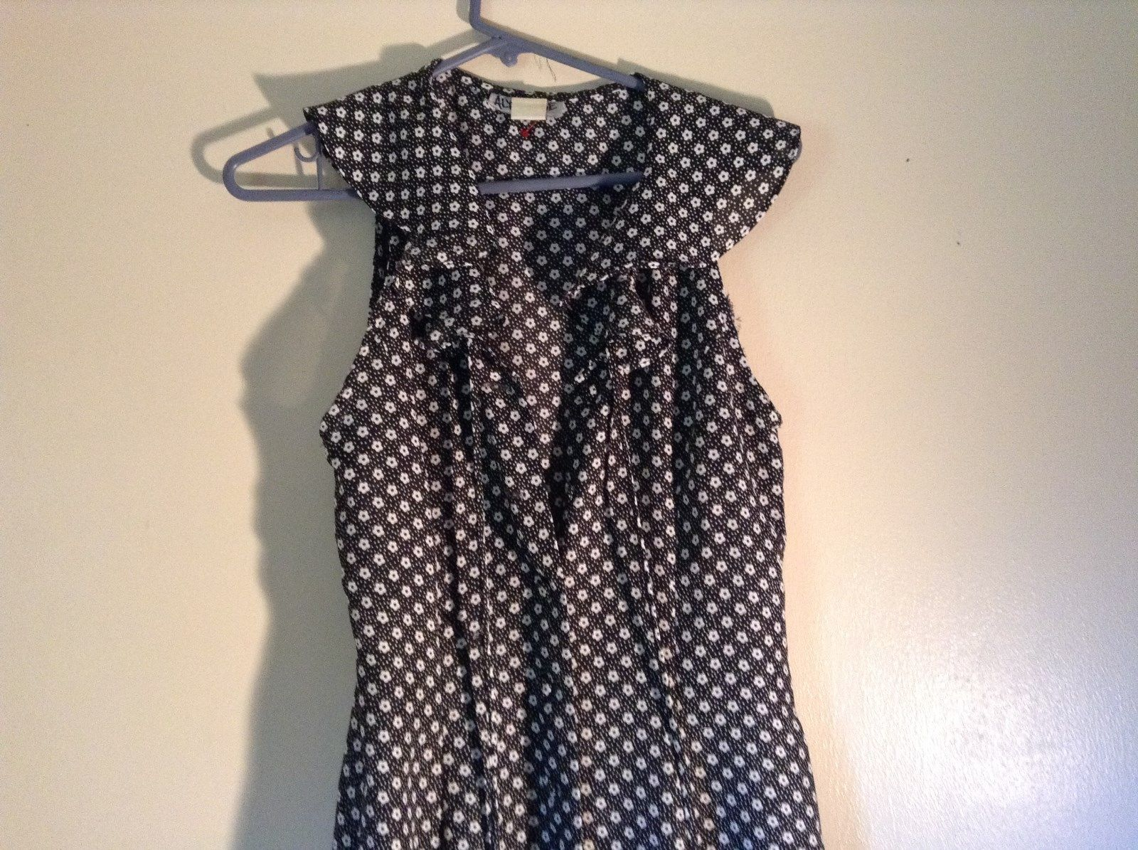 Alyn Paige Black and White Floral Sleeveless Dress Size 7 to 8 Light Material