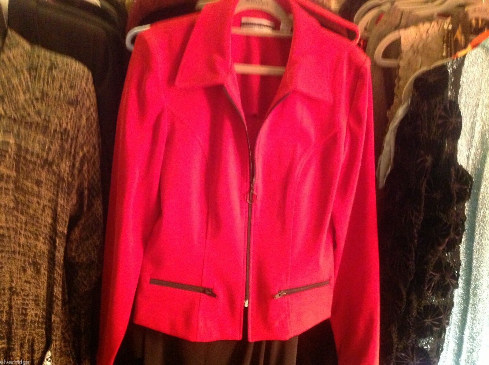 Amanda Smith Size 6 Red fitted suede jacket.