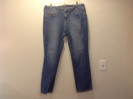 Apt 9 Blue Denim Jeans Size 14 Button and Zipper Closure Good Condition